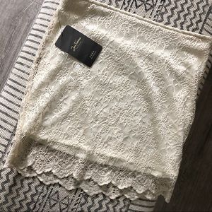 🌸 NWT Zara lace mini skirt cream